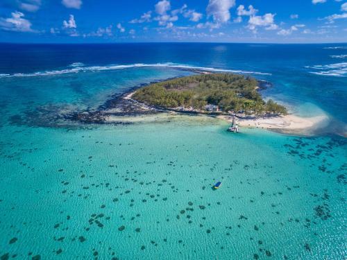 Ile Des Deux Cocos, Blue Bay