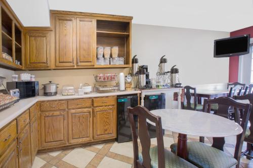 Baymont Inn And Suites - Tuscaloosa