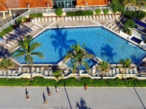 Historic Hollywood Beach Resort - Unit 663 Condo