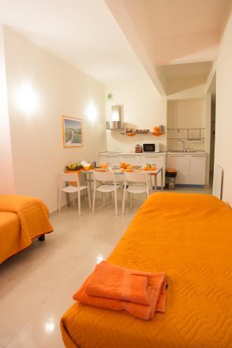 b&b dell'acquario, genoa, liguria   rentbyowner - rentals and
