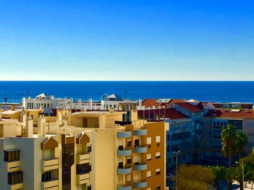 Hotel brisa de mar apartamento costa da caparica costa de for Hoteles familiares portugal