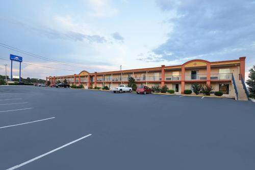 Americas Best Value Inn And Suites Williamstown Hotel