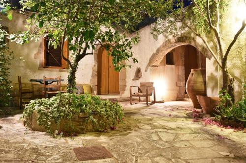 Violetta Studio & Apartments