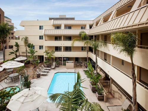 Sommerset Suites Hotel - 4.0 star rating for travel with kids