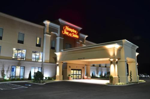 Hampton Inn Suites Sharon Hotel West Middle