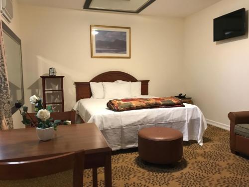Waterbury Big Apple Motel