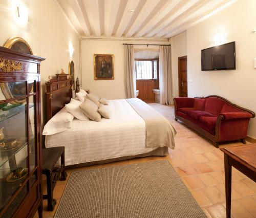 Double Room with King Size Bed - Free Parking Hotel Real Colegiata San Isidoro 12