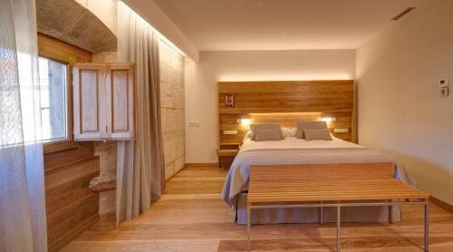 Superior Double Room with Free Parking Hotel Real Colegiata San Isidoro 23