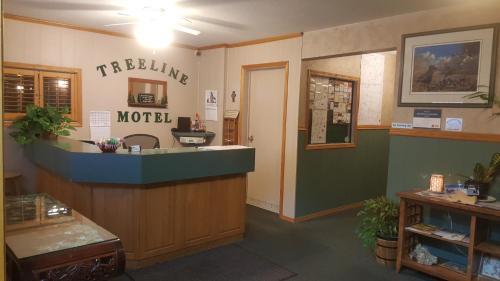 Treeline Motel