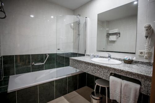 Gran Hotel Ciudad Del Sur 33