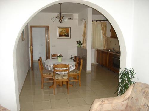 Apartments Mate Cebalo