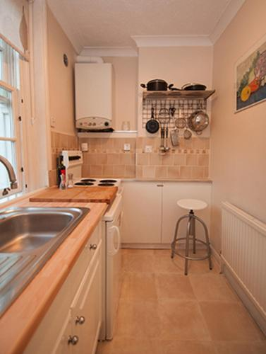 Veeve - One Bedroom Apartment Denbigh Street - Westminster