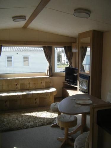 Cheddar Bridge Static Caravan Hire