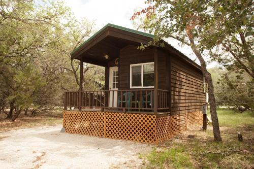 Medina Lake Camping Resort Studio Cabin 1