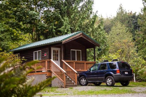 Mount Vernon Camping Resort Studio Cabin 4