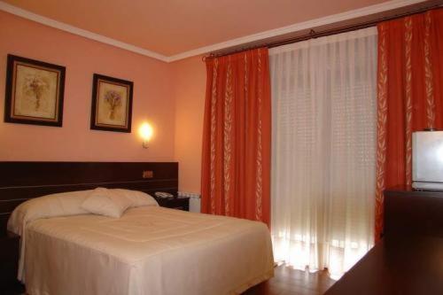 Отель Hotel Santa Teresa 3 звезды Испания