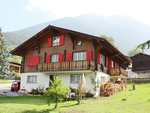Cozy Studio Apartment in Termen near Ski Bus Stop