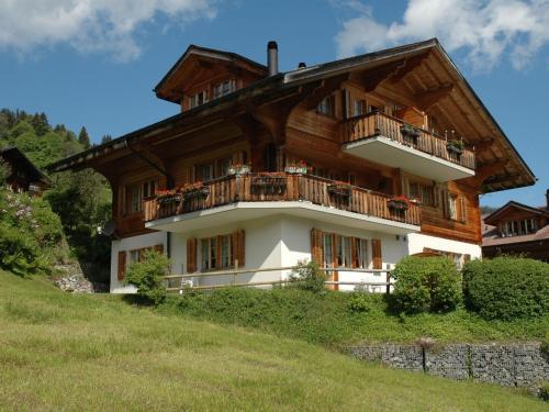 Luxury Chalet in Habkern with Private Garden