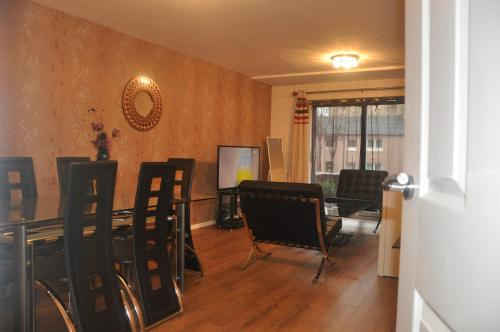 North woodside apartment