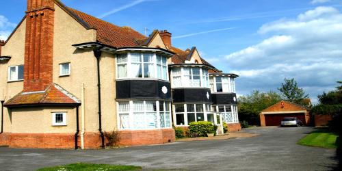 Cloisters Guest House,Burnham-on-Sea