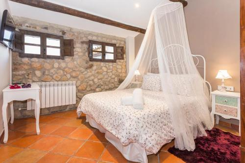 Standard Double Room Masia Can Canyes & Spa 3