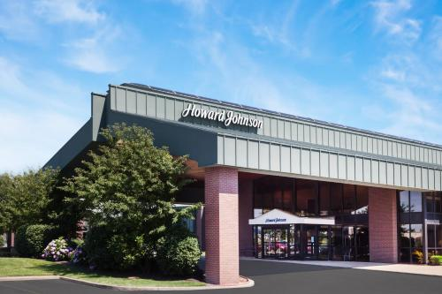 Howard Johnson Evansville IN, 47715