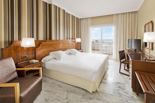 4 starts hotel in Motril