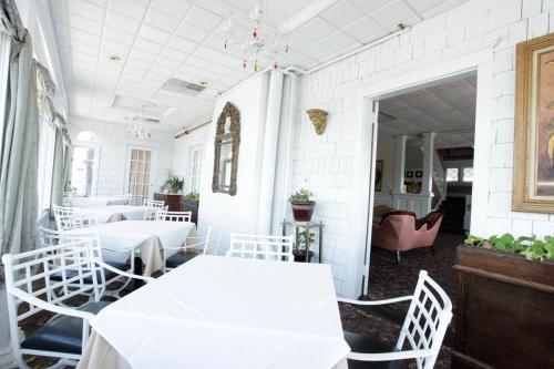 Hotel Macomber Restaurant