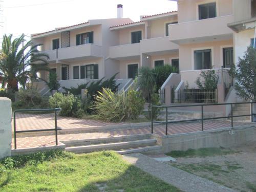 Lakonia Bay Apartments