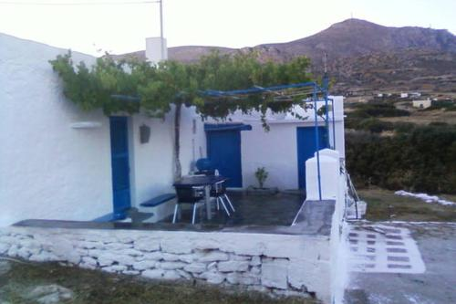 Tinas House