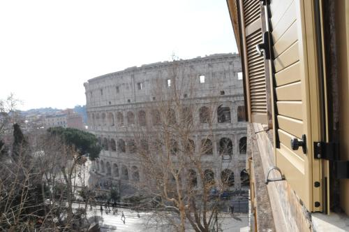 Deluxe Double Room with Coliseum View