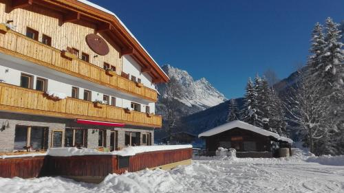 Hotel Family Alm Tirol
