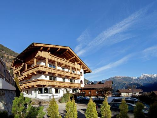Holiday home Penthouse Tuxertal