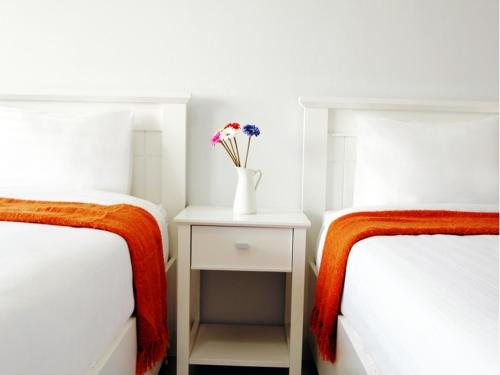 Standard Twin Room Airport 17 Apartel