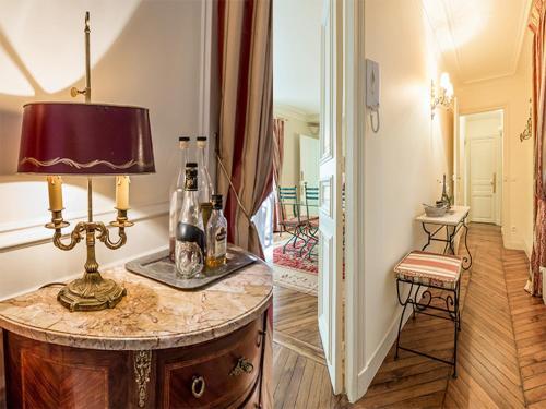 Chic Apartment for 4 Eiffel Tower Kléber