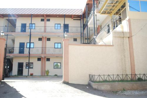 Yared Guest House