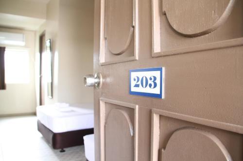 DW Motel, Koror