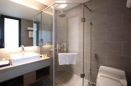 Avora Hotel In Da Nang Room Deals Photos Reviews - Satiya-house-refurbished-to-accommodate-a-larger-family