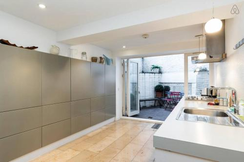 2 Bed Apartment Leighton Road
