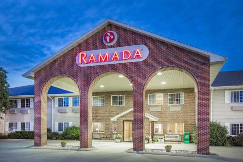 Ramada Lake Okoboji Spirit Lake