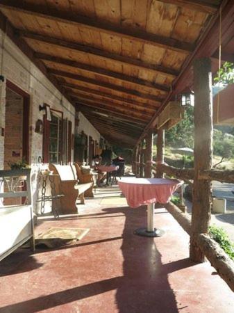 Cyndis Snowline Lodge