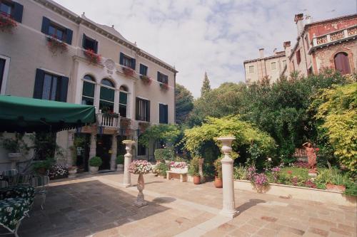 foto Pensione Accademia-Villa Maravege (Venezia)