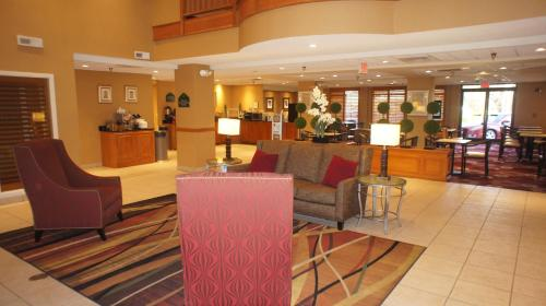 Wingate By Wyndham - Chattanooga TN, 37421