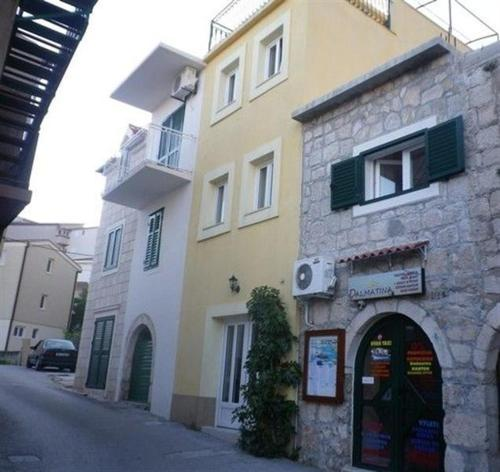 Apartments Igrane