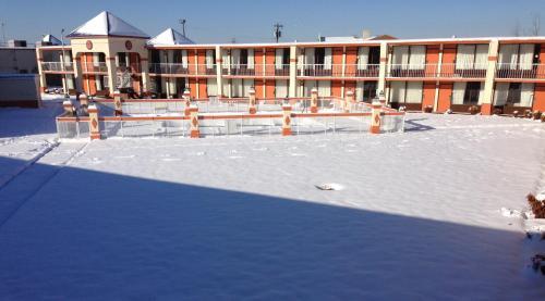 Rodeway Inn & Suites Greensboro