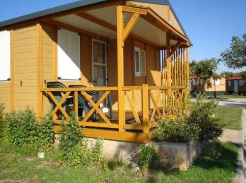 Camping-bungalow Park Sierra de la Culebra front view