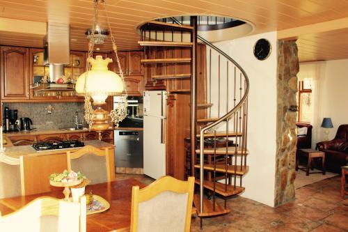 Family Country Villa close to Golden Circle