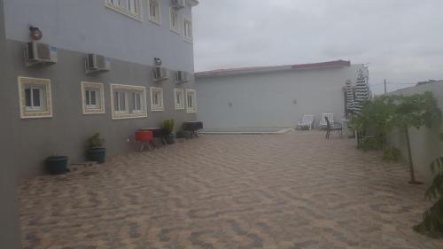 Hospedaria Bons Amigos, Luanda