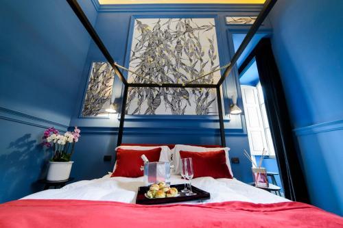 roma luxus hotel rome lazio rentals and resorts. Black Bedroom Furniture Sets. Home Design Ideas