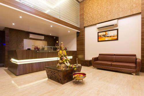Oyo 1052 Hotel Rudra Shelter International